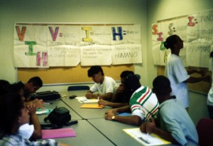 Poder Latino AIDS/HIV training session, ca. 1995